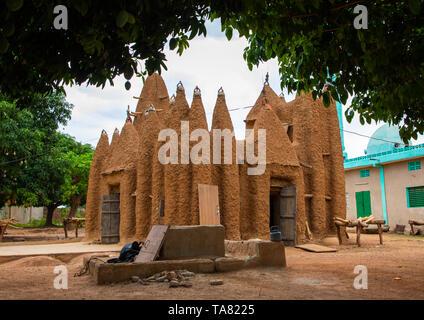 Das 17. Jahrhundert sudano - sahelian Moschee, Savanes Bezirk, Kouto, Elfenbeinküste Stockbild