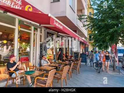 Cafe auf der Schlesischen Straße, Kreuzberg, Berlin, Deutschland Stockbild