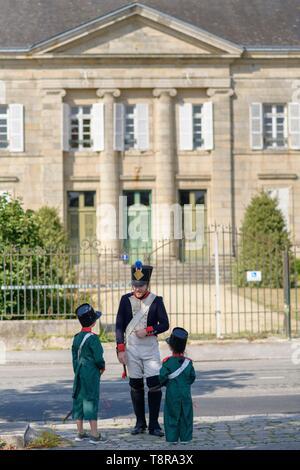 Frankreich, Morbihan, Pontivy, Outing der Kinder in die Fußstapfen von Napoleon Stockbild