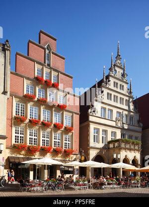 Alte Häuser am Prinzipalmarkt, Münster in Westfalen, Nordrhein-Westfalen, Deutschland Ich bin Giebelhäuser Stadtweinhaus, Prinzipalmarkt, Münster Stockbild