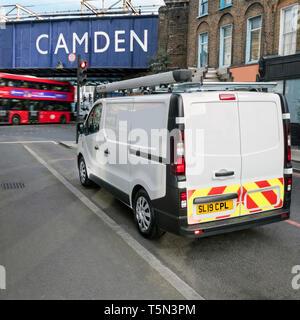 Renault Trafic Kastenwagen in Camden Town London UK geparkt Stockbild