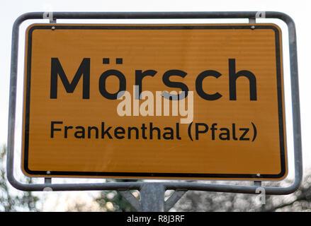 Deutsche Beschilderung in Frankenthal Stockbild