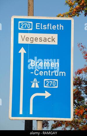 Wegweiser zur Autobahn, Bremen, Deutschland, Europa ich Wegweiser zur Autobahn, Bremen, Deutschland, Europa I Stockbild