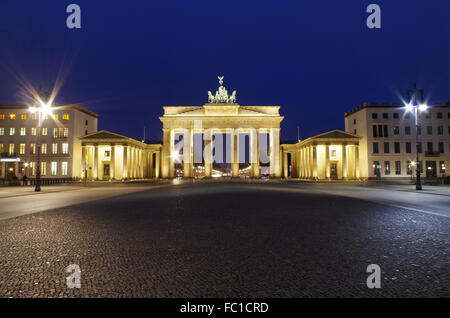 Brandenburger Tor in Berlin bei Blue unsere Stockbild