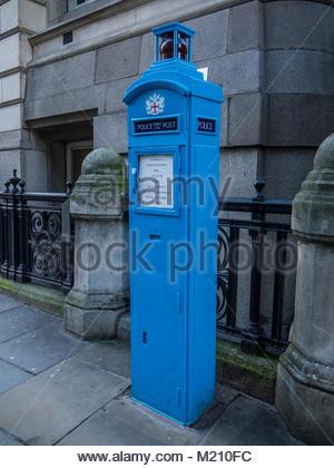 Original Polizei Telefonzelle Stadt London England Großbritannien Stockbild