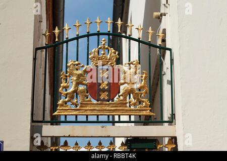 Historisches Wappen der Muttergesellschaft Bünting Tee, Leer, Ostfriesland, Niedersachsen, Deutschland, Europa ich Historisches Wappen am Stammhaus Bünting Stockbild
