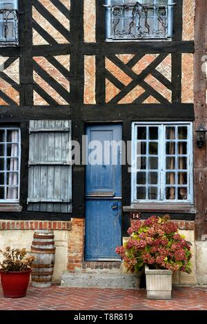 Frankreich, Calvados, Pays d'Auge, Beuvron en Auge, mit der Bezeichnung les plus beaux villages de France (Schönste Dörfer Frankreichs), Stockbild