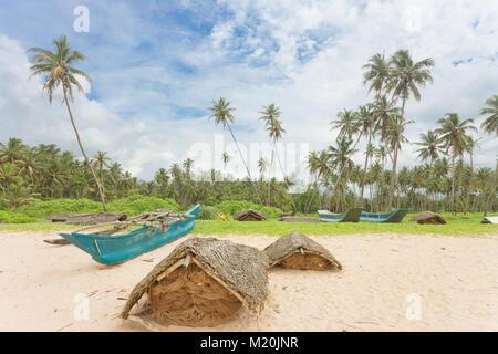 Balapitiya, Sri Lanka, Asien - Fischnetz Gehäuse am Strand von Balapitiya Stockbild