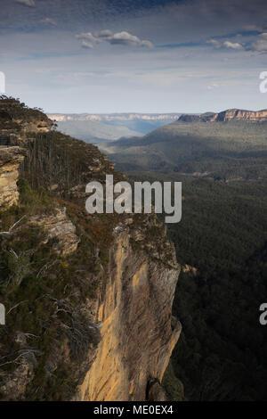 Einen herrlichen Blick auf das Hochplateau in den Blue Mountains Nationalpark in New South Wales, Australien Stockbild