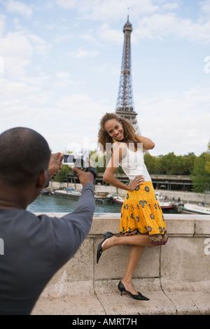 Afrikanischer Mann nehmen Foto Freundin Stockbild