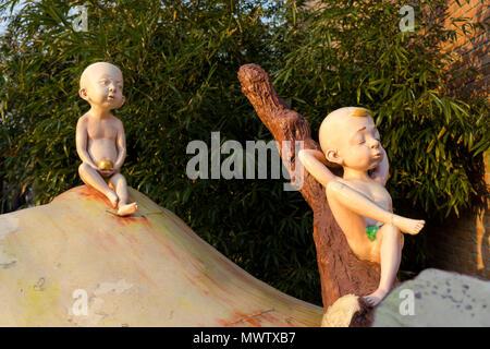 Skulptur an der 798 Art Zone (Dashanzi Art District) in Peking, China, Asien Stockbild