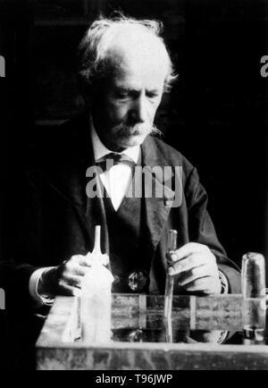Pierre Eugène Marcellin Berthelot (25. Oktober 1827 - 18. März 1907) war ein französischer Chemiker und Politiker für die Thomsen-Berthelot Prinzip der Thermochemie, argumentierte, dass alle chemischen Veränderungen begleitet werden durch die Erzeugung von Wärme und die Prozesse, die stattfinden wird, in der die Wärme produziert wird. Er synthetisiert viele organische Stoffe aus anorganischen Stoffen und widerlegt die Theorie des Vitalismus. Er gilt als einer der größten Chemiker aller Zeit. Stockbild