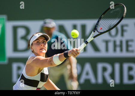 März 17, 2019: Bianca Andreescu (können), die in Aktion, wo Sie besiegte Angelique Kerber (GER) 6-4, 3-6, 6-4 im Finale der BNP Paribas Open in Indian Wells Tennis Garden in Indian Wells, Kalifornien. © Mal Taam/TennisClix/CSM Stockbild