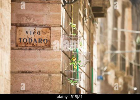 Taranto, Apulien, Italien - schöner Dekoration in der Altstadt von Taranto in Italien Stockbild
