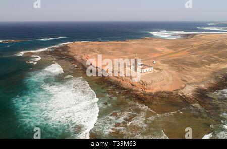 Die Punta Jandía Leuchtturm ist ein aktiver Leuchtturm auf der Kanarischen Insel Fuerteventura. Stockbild