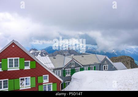 Auf dem Gipfel des Säntis, Appenzell Alpen, Schweiz - Mountain Inn ALTER SÄNTIS. Stockbild