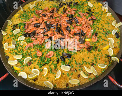 Paella, Boroughs Market, London, UK Stockbild
