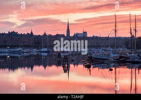 Panorama von Stockholm bei Sonnenaufgang. Und Sodermanland Stockholm, Uppland, Schweden. Stockbild