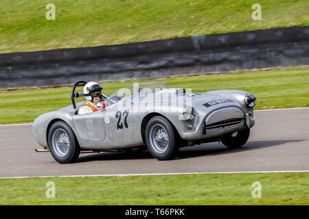 1957 Ace-Bristol mit Fahrer Andy Schäfer während der Tony Blick Trophy Rennen in der 77. Goodwood GRRC Mitgliederversammlung, Sussex, UK. Stockbild