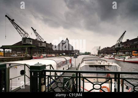 Ausflugsboote am Westhafen, Berlin, Deutschland, Europa Stockbild