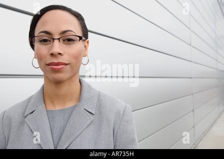 Afrikanische Geschäftsfrau tragen Brillen Stockbild