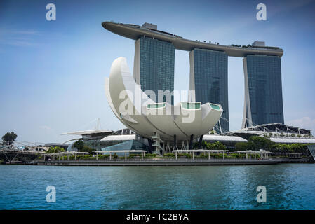 Marina Bay Sands Hotel und die Kunst Science Museum in Singapur Stockbild