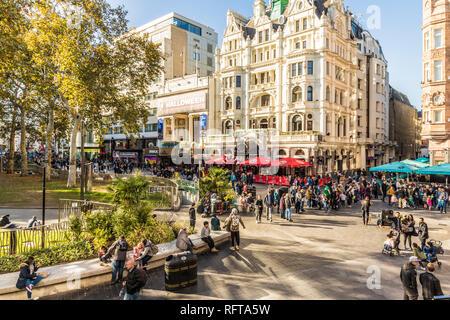 Einen Blick über den Leicester Square, London, England, Vereinigtes Königreich, Europa Stockbild