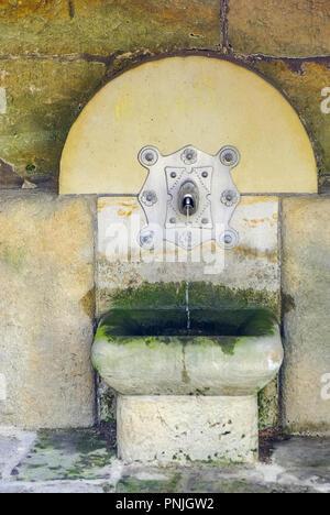Kleine öffentliche Brunnen, Koenigstein, Elbsandsteingebirge, Sachsen. Stockbild