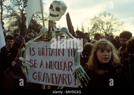 Der Falklandkrieg demonstration Hyde Park London England zu stoppen. 'Nie wieder Krieg'. DE CND Rally 1980 s HOMER SYKES Stockbild