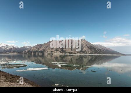 Nach wie vor Bergsee Stockbild