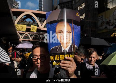 Tausende Demonstranten nehmen teil an einer Grosskundgebung fordert unabhängige Untersuchung Polizei Taktik in Hongkong. Stockbild