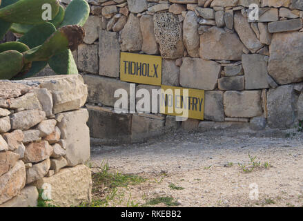 Mit der hohen Anzahl der Besucher der Insel, ist es kein Wunder, dass Bewohner wollen etwas Privatsphäre zu bewahren Stockbild