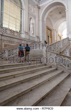 Italien, Kampanien, Neapel, historischen Zentrum als Weltkulturerbe von der UNESCO, der Piazza del Plebiscito, Palazzo Reale, Royal Palace, entworfen von Architec Stockbild