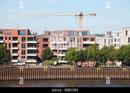 Modernes Apartment Gebäude am Fluss Hunte, Oldenburg in Oldenburg, Niedersachsen, Deutschland, Europa ich Moderne Mehrfamilienhäuser, Oldenburg in Oldenbur Stockbild