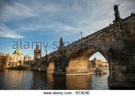 Karlsbrücke und Vltava Fluss, Prag, Tschechische Republik Stockbild