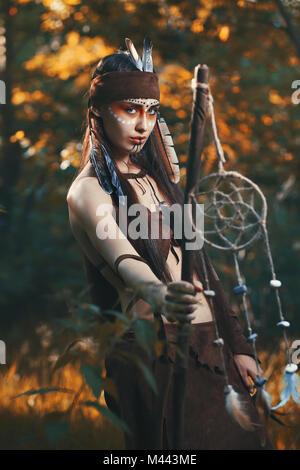 Wilde Krieger der Wälder. Bunte Wald Stockbild