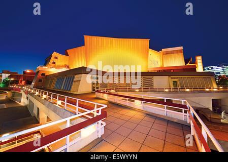 Deutschland, Berlin: Nächtliche Blick auf die Philharmonie Orchester Stockbild