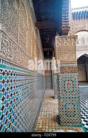 Zellige Fliesenwand, Medersa Attarine, Fes, Marokko Stockbild