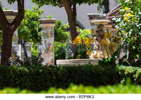 Italien, Kampanien, Neapel, historischen Zentrum als Weltkulturerbe von der UNESCO, Kloster der Klarissen der Basilika Santa Chiara, 14 centu Stockbild