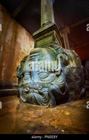 Medusa Head, Basilika Zisterne, Istanbul, Türkei Stockbild