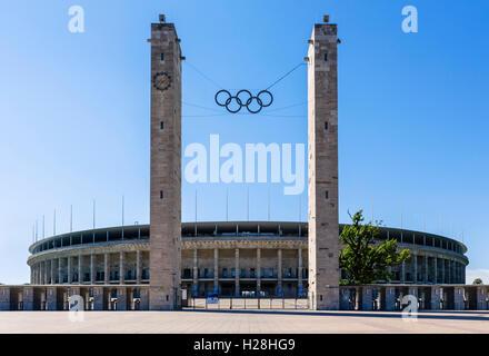 Olympiastadion (Olympiastadion), gebaut für die Olympischen Spiele 1936, Berlin, Deutschland Stockbild