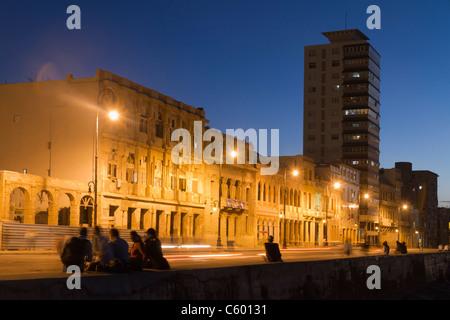 Malecon Promenade bei Sonnenuntergang, Havanna-Kuba Stockbild