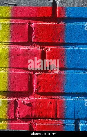 Bunte Mauer aus Stein, Ziegel, Deutschland, Europa Stockbild
