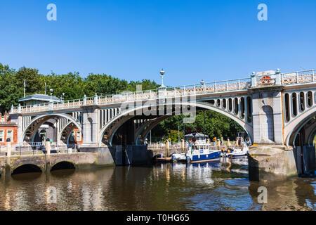 England, London, Richmond upon Thames, Richmond Sperren Stockbild