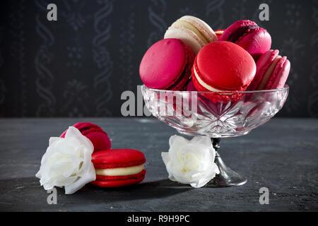 Eine Sammlung von Rosa macarons. Stockbild