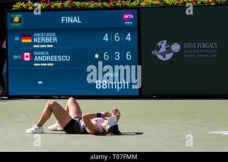 März 17, 2019: Bianca Andreescu (CAN) reagiert, nachdem sie besiegt Angelique Kerber (GER) 6-4, 3-6, 6-4 im Finale der BNP Paribas Open in Indian Wells Tennis Garden in Indian Wells, Kalifornien. © Mal Taam/TennisClix/CSM Stockbild