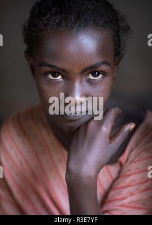 Portrait einer ferne Stamm Mädchen, ferne Region, Afambo, Äthiopien Stockbild