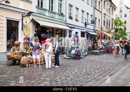Geschäfte im Nikolaiviertel, Berlin, Deutschland Stockbild