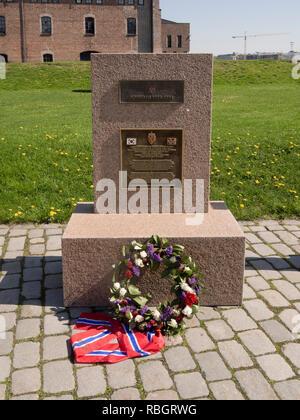 Denkmal für die Teilnehmer der Normash, medizinische Kraft im Koreakrieg, Blumen und Norwegischer colures festgelegten iAkershus Festung n Oslo Norwegen Stockbild