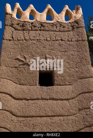 Dekoration auf einem traditionellen alten Lehmhaus, Najran Provinz Najran, Saudi-Arabien Stockbild
